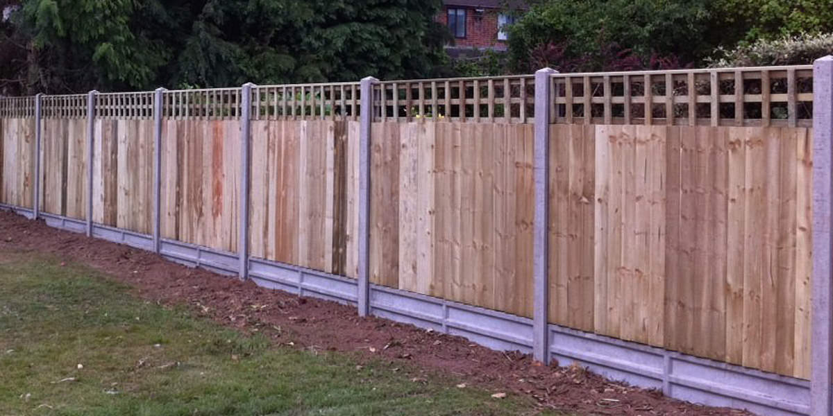 Concrete post with featheredge panel and square trellis
