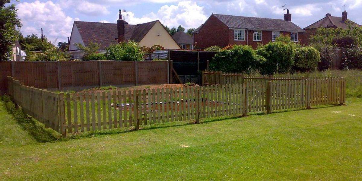 Fencing with gates